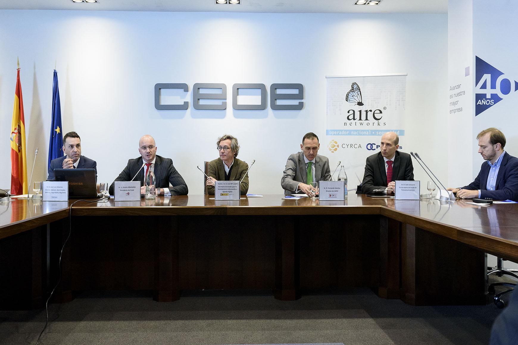 Más de un centenar de empresarios aprenden a proteger sus negocios en la Red de la mano de Ceaje